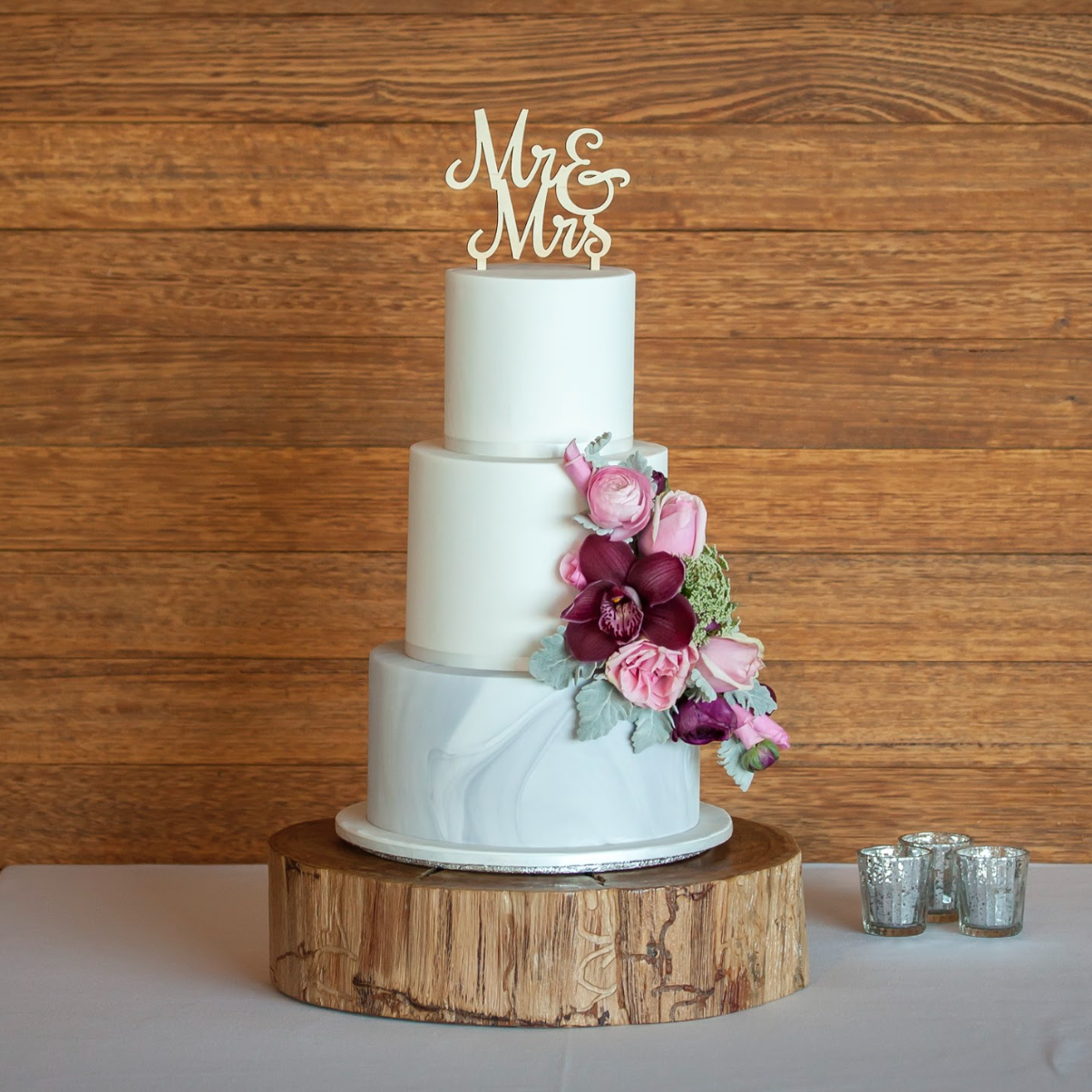 wooden wedding cake stand hire rustic wood cake stand 27602
